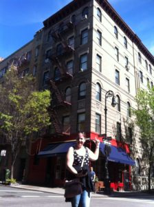 new york tours - Grove and Bedford friends building